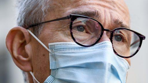 Frank Vandenbroucke laat onderzoeken hoe vaccinatie versneld kan worden