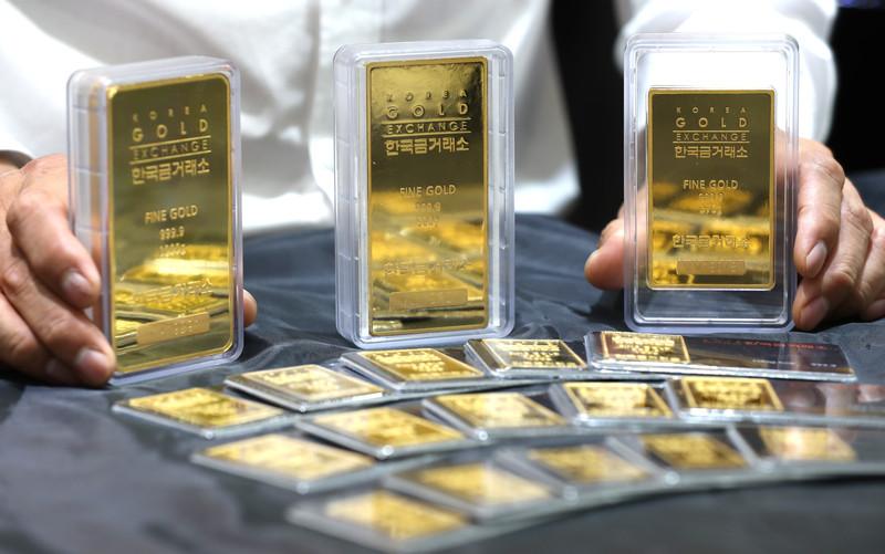 Goudprijs bereikt historische piek van 2.000 dollar