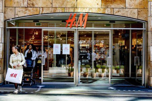 H&M haalt hakbijl boven in winkelbestand en sluit ook één winkel in België