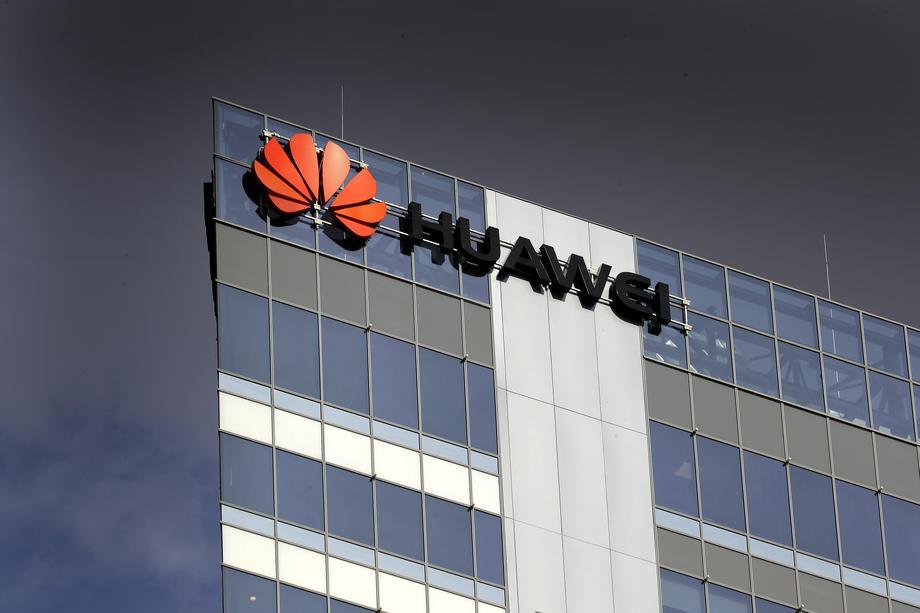 Huawei kreeg internationaal al kritiek voor een te nauwe band met de Chinese regering. Na de arrestatie van werknemers zet die zich verder binnen de landsgrenzen. - EPA