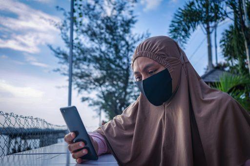 Vreemde publiciteitsstunt: influencers in Indonesië krijgen als eerste vaccinatie