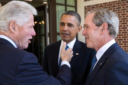 Obama, Bush en Clinton bereid coronavaccin te nemen voor de camera om bevolking gerust te stellen