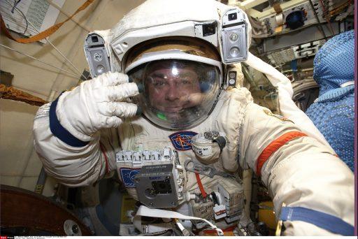 Cosmonautes saouls et robot aux tweets incontrôlables: l'histoire surréaliste qui met la Russie dans l'embarras