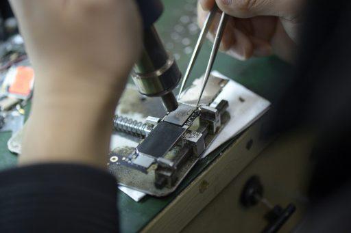 Les réparateurs indépendants d'iPhone vont (enfin) pouvoir bénéficier des pièces d'origine Apple en Europe