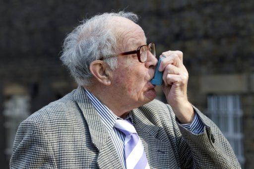 'Goedkoop astmamedicijn verkort hersteltijd Covid-19 met 3 dagen'