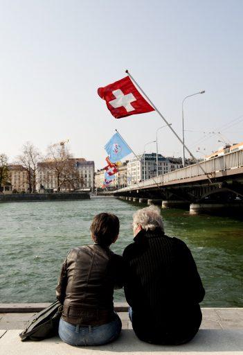 Nouveau confinement ou non? En Suisse, un référendum décide
