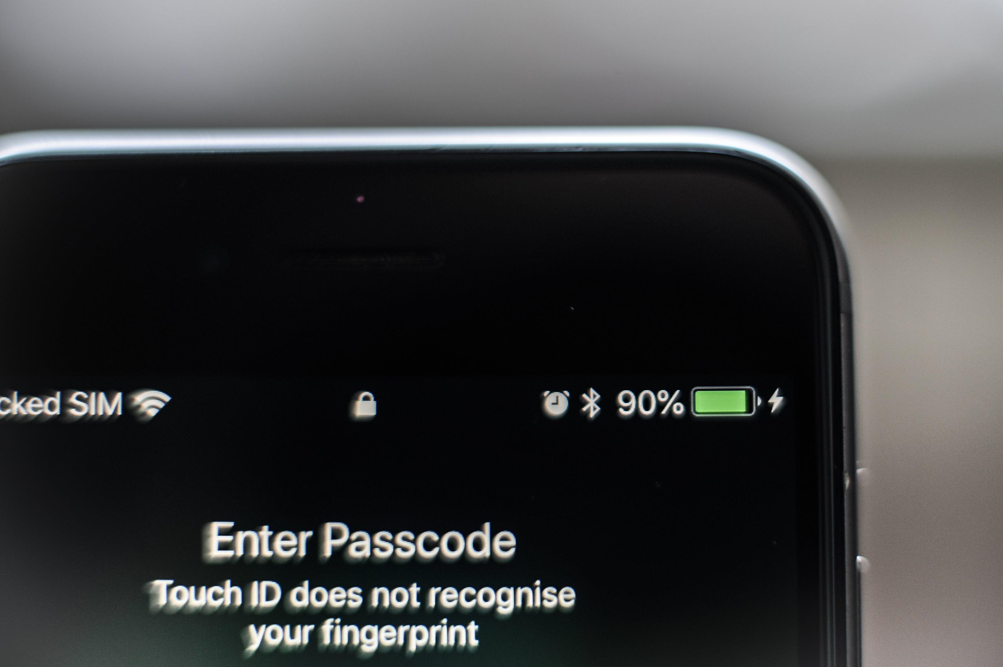 Comment connaître l'état de la batterie de ton iPhone et son nombre de cycle? - newsmonkey FR