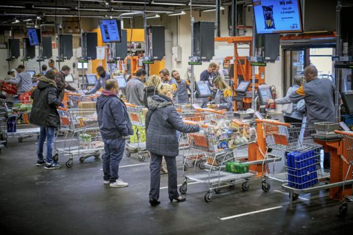 Coronacrisis heeft winkelkar duurder gemaakt, en dat is onze eigen schuld