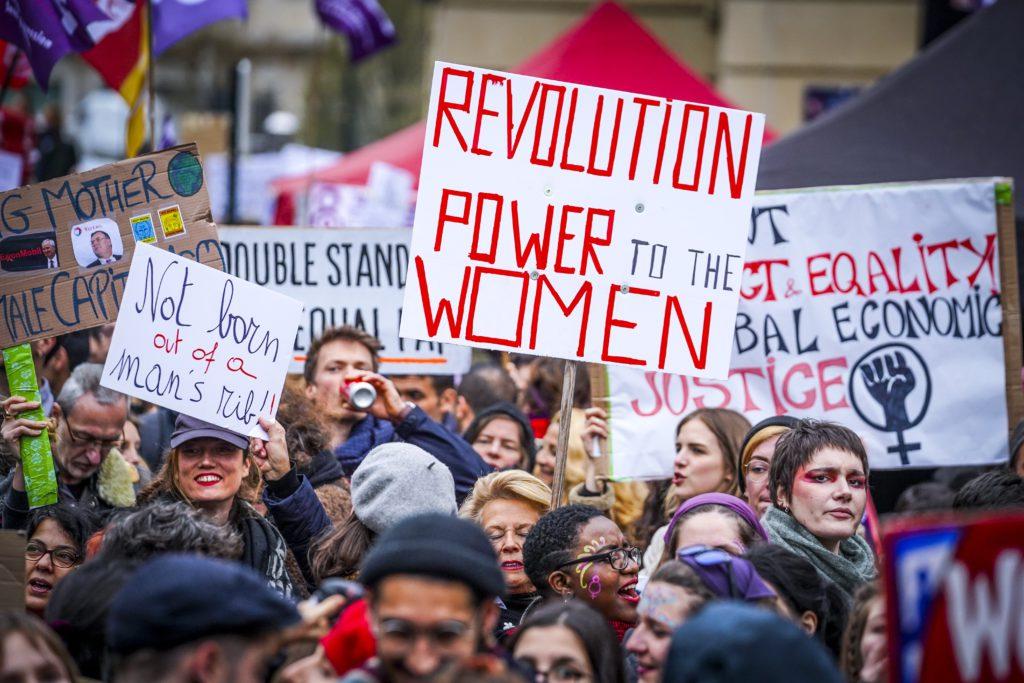 Op 8 maart kwamen vrouwen nog massaal op straat in Brussel om tegen genderongelijkheid te protesteren. - Daina Le Lardic / Isopix 24594818