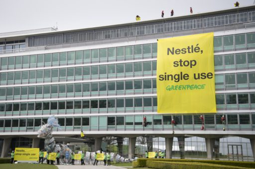 Les multinationales suisses échappent de justesse à plus de responsabilité sociale et environnementale