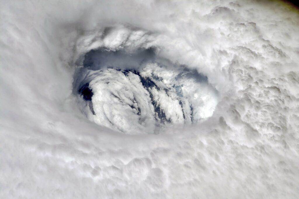Het oog van orkaan Dorian, die in het najaar van 2019 de Bahama's en de oostkust van de Verenigde Staten trof.