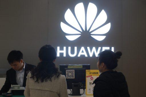 Smartphones: Huawei perd sa couronne et voit un nouveau rival fondre sur lui