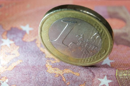 Euro op hoogste peil in 2,5 jaar: consument wint, belegger verliest
