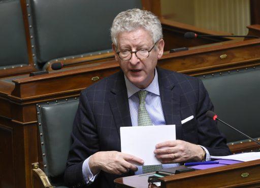 Minister De Crem wil plaatsverbod om amokmakers weg te houden aan de kust