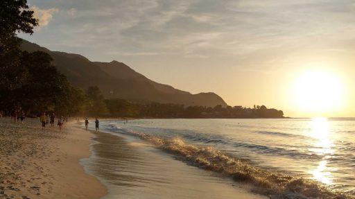 Dit eiland verwelkomt als eerste gevaccineerde reizigers