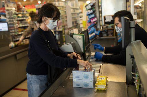 Vanaf zaterdag zijn mondmaskers verplicht in alle winkels
