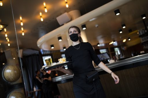 Vlaamse regering springt noodlijdende bedrijven nog wat langer bij