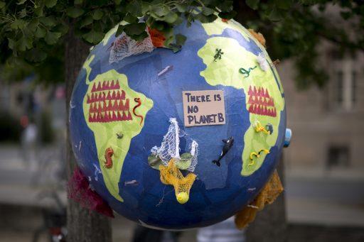 Faute de COP26, 350 jeunes lancent la Mock COP: quels changements proposent-ils?