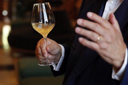Champagnehuizen en druiventelers op ramkoers over oogstquota door coronacrisis