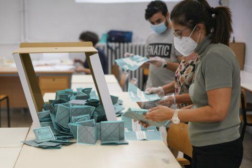 Les Italiens ont voté majoritairement pour la réduction du parlement