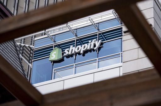 Werknemers e-commerceplatform Shopify stelen gegevens van meer dan 100 winkeliers