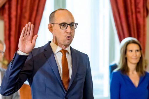 Le gouvernement fédéral a convenu d'une nouvelle taxe sur les valeurs mobilières