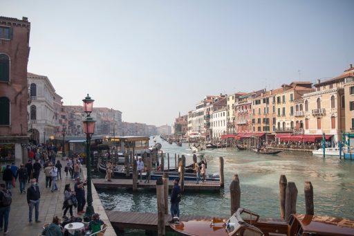 Travail contre écologie: le retour des bateaux de croisière à Venise divise