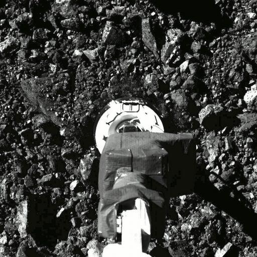La NASA dévoile les premières images de sa sonde Osiris-Rex qui percute l'astéroïde Bennu