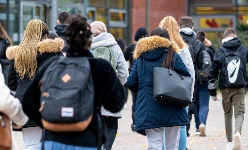 Twee Antwerpse scholen sluiten week door Britse coronavariant: meer dan 2.000 mensen in quarantaine