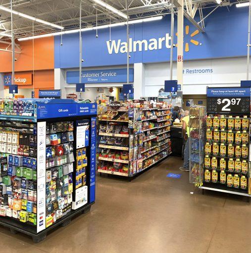 Pour éviter une fusillade liée aux élections, les magasins Walmart cachent leurs armes… mais continuent de les vendre