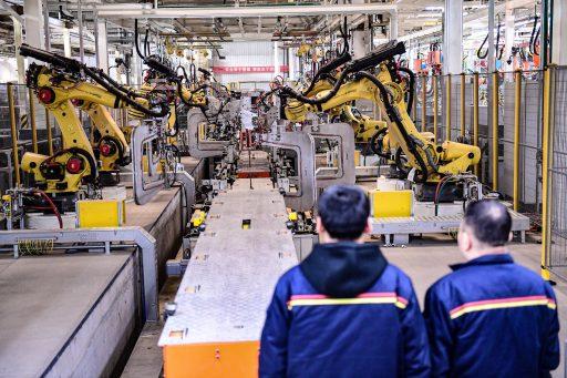 MIT na drie jaar onderzoek naar de toekomst van werk: 'Vrees de ongelijkheid, niet de robots'