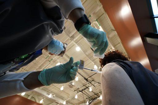 Pfizer wil coronavaccin kunnen toedienen vanaf 12 jaar