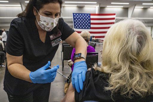 À New York, un nouveau variant du Covid-19 pourrait défier les vaccins