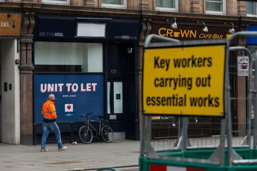1 op 7 winkels in het VK staat leeg en het overschot aan winkels lijkt nu structureel te zijn