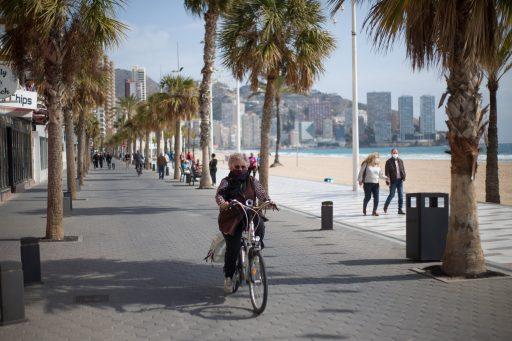 Passeport Covid et tourisme: l'Espagne anticipe un échec de l'UE et négocie seule avec le Royaume-Uni