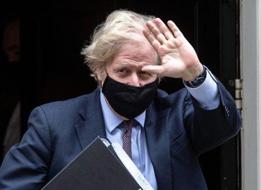 Face à la flambée des cas, le Royaume-Uni va reporter la dernière étape de son déconfinement
