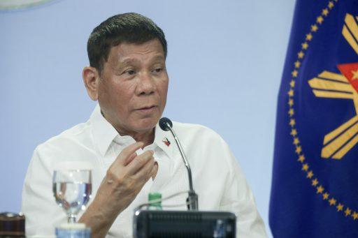 """""""Vaccin of gevangenis?"""": president Duterte geeft Filipijnen de keuze"""