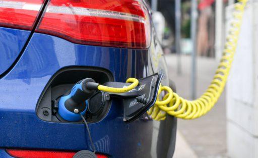 'La transition des moteurs à combustion aux hybrides et électriques a finalement lieu'