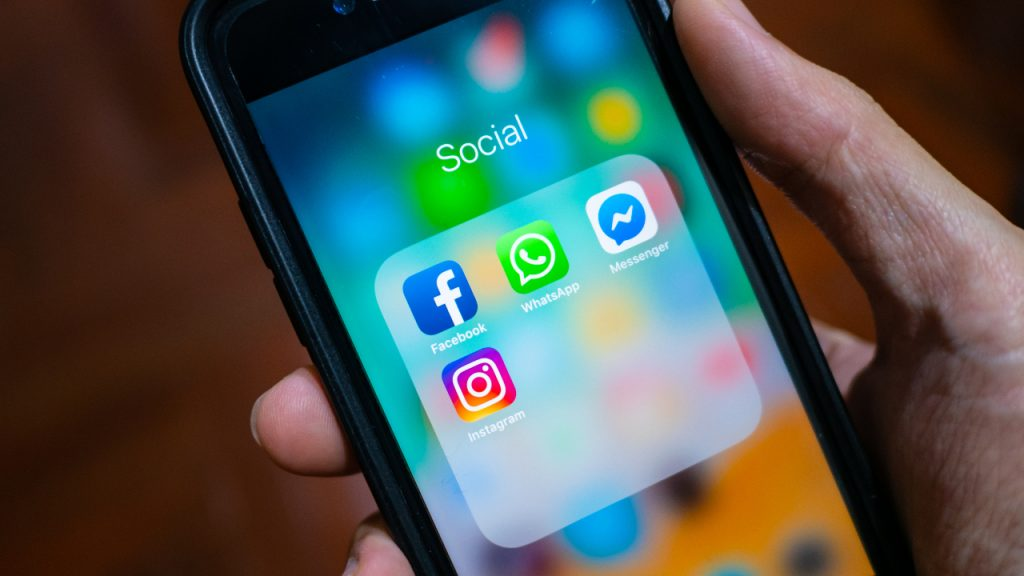 Instagram Whatsapp Messenger