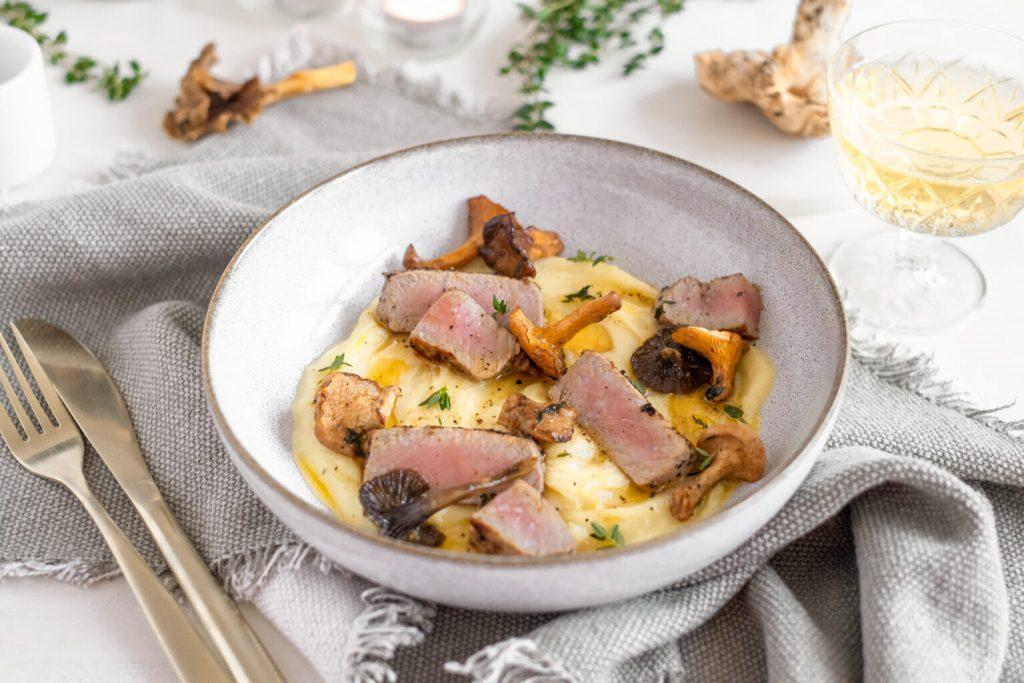 Recept: kalfsvlees met pastinaak-aardappelcrème en champignons