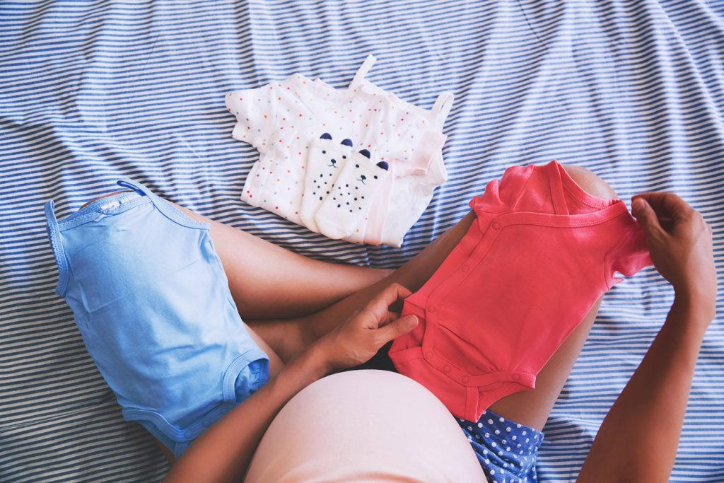 Checklist voor je kraamtas: dit moet écht mee naar het ziekenhuis