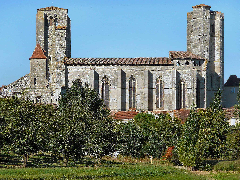Een kerk in het Franse dorp La Romieu