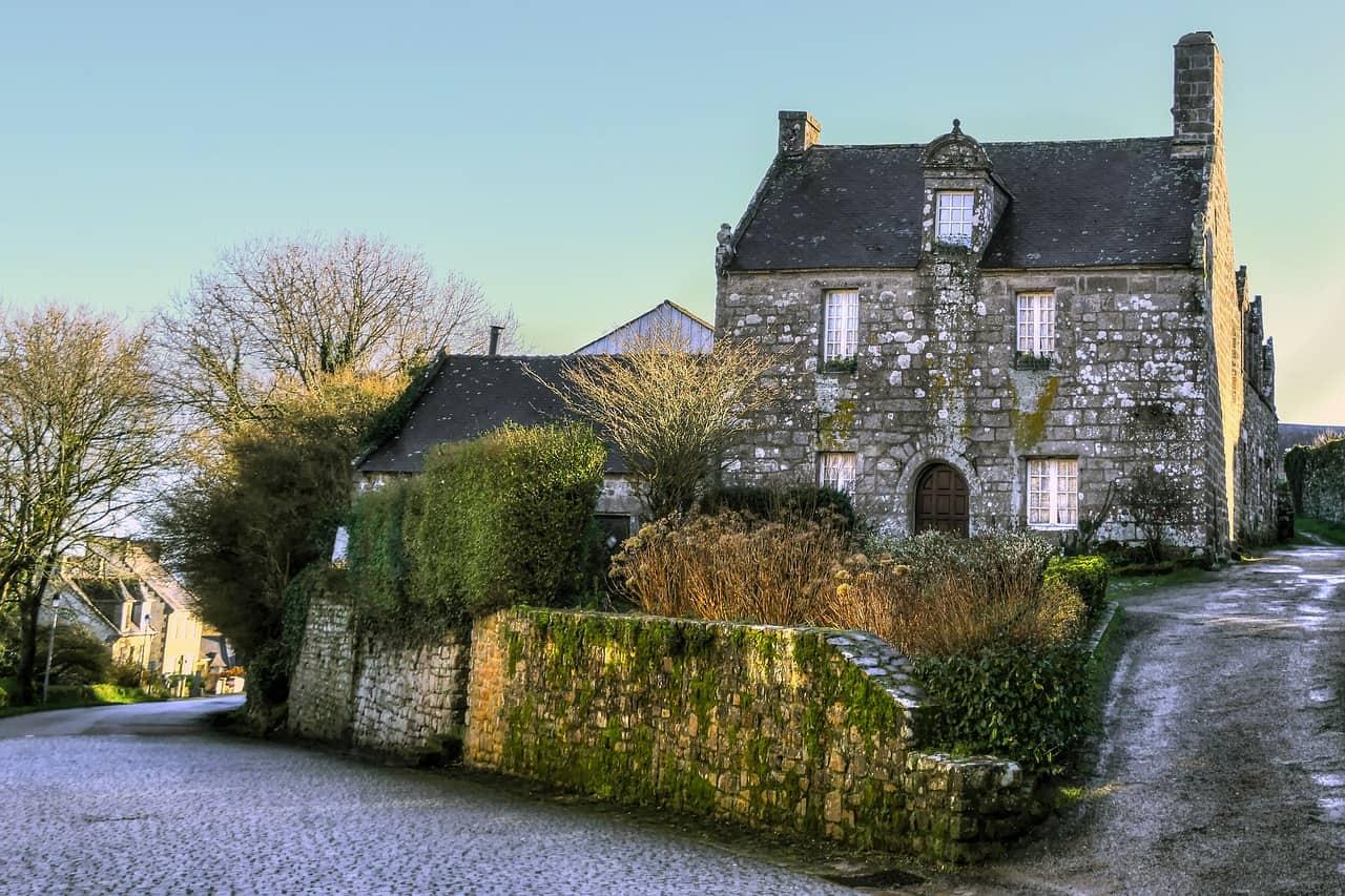 Een huis in het Franse dorp Locronan.