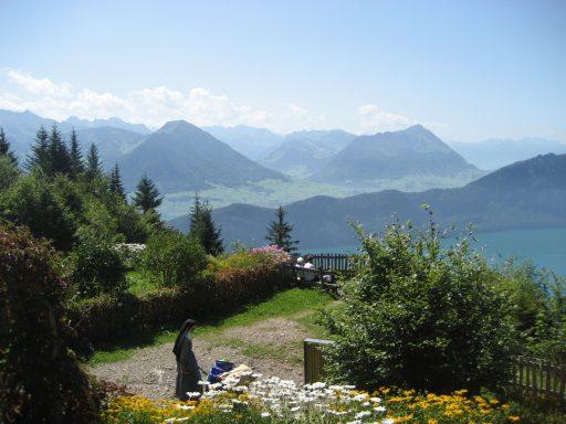 Zwitsers bouwen megakluis voor superrijken in het hart van de Alpen