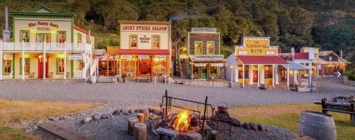 Dit cowboydorp in Nieuw-Zeeland kan van u zijn voor 7,5 miljoen dollar