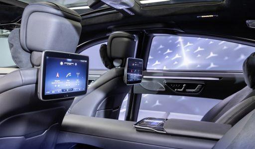 Nieuwste generatie Mercedes S-klasse bevat tot 5 (!) ingebouwde beeldschermen