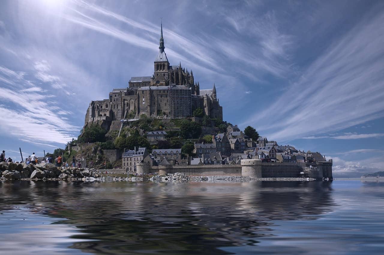 Mont Saint-Michel ligt in het water0