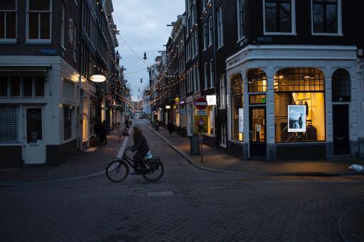 Nederland introduceert avondklok tussen 20.30 uur en 4.30 uur