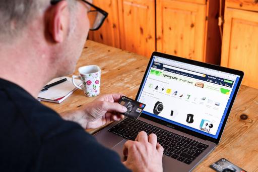Belgische e-commerce scoort beter dan buurlanden, maar vooral door transacties tussen bedrijven