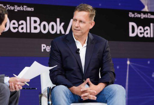 Datagigant Palantir trekt na 15 jaar naar de beurs: wat doet het mysterieuze bedrijf van Peter Thiel?